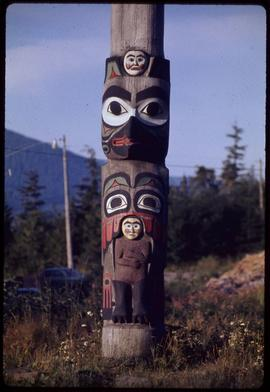 Bottom of Lincoln pole #26 (copy), Saxman Park, Ketchikan, Alaska