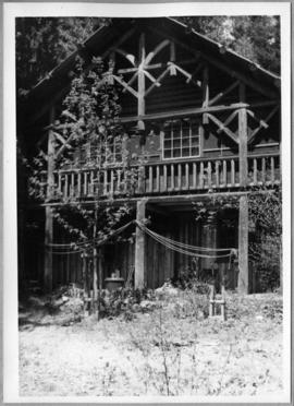 Log structure, front view