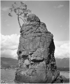 Slhx̱í7lsh rock outcropping