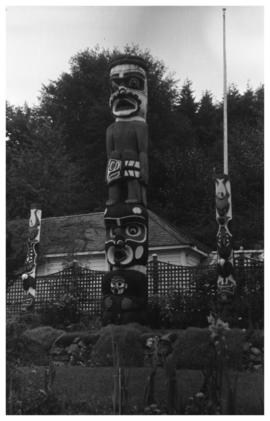 Unidentified totem pole