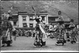 Traditional Tibetian dancing