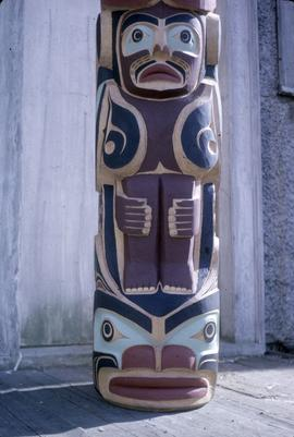 Thunderbird totem pole, frontal base view