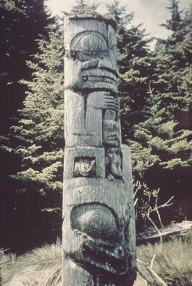 House frontal totem pole, Anthony Island