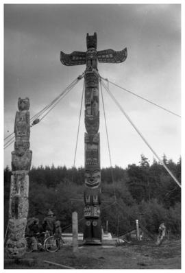 Chief Mungo Martin memorial, pole raising