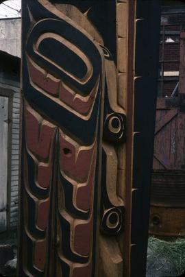 Mosquito Totem Pole, side view of midsection