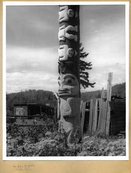 Totem pole close up