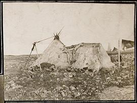 Inuit Camp at Igluligaarjuk