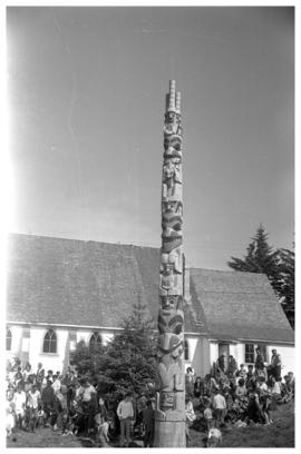 R. Davidson [Jr.] pole raising, Masset Q.C.I.